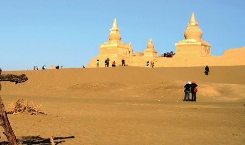沙漠中的黑城遗址