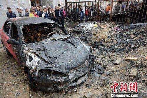 被烧毁的汽车