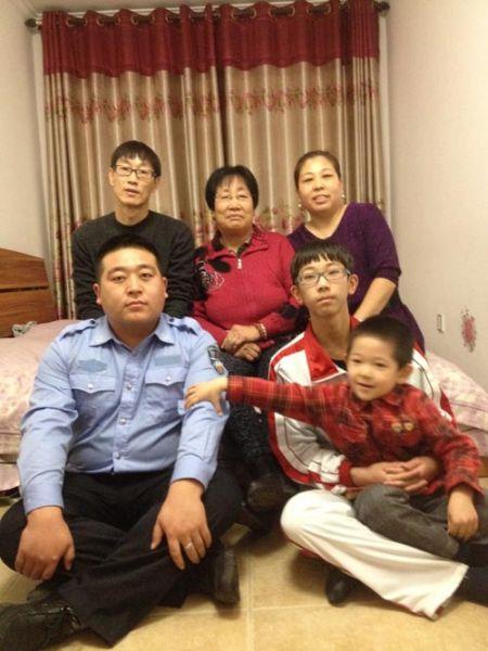 佟斯琴家庭照片