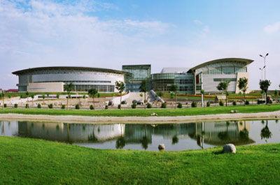 呼和浩特新体育馆-魅力青城呼和浩特正张开双臂欢迎您