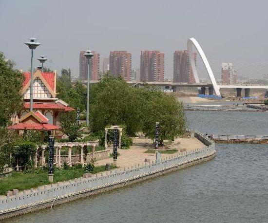 青城呼和浩特市环城水系玉泉区段景观