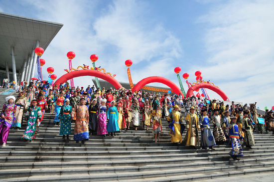 中国蒙古族服装服饰艺术节回顾