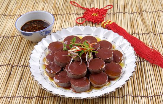 蒙古族特色美食之羊血肠