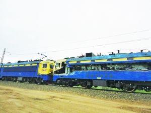 火车撞上渣土车