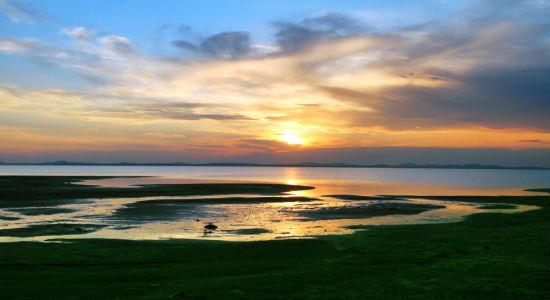 迷人达里湖