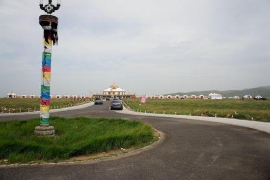 草原自驾行车