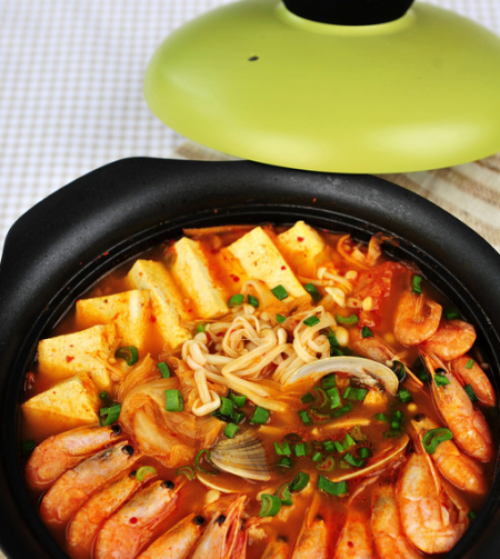 韩式泡菜海鲜锅