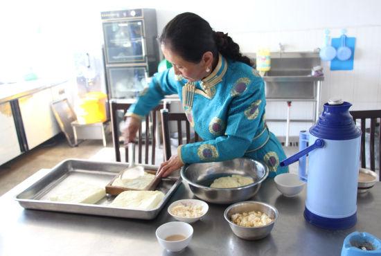现场制作奶豆腐