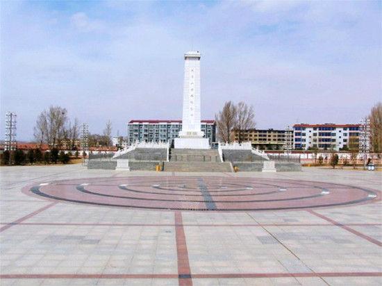 大青山英雄纪念碑