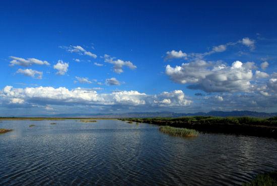 塞北春天山水的图片