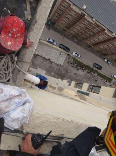 工人被困17楼