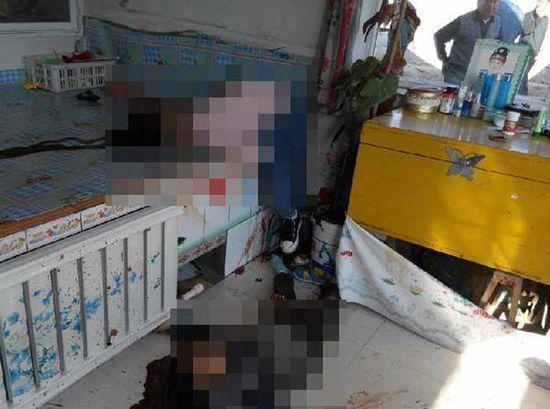 案发现场惨不忍睹,两个孩子倒在血泊中。图片来源新浪微博@sunxiangwei