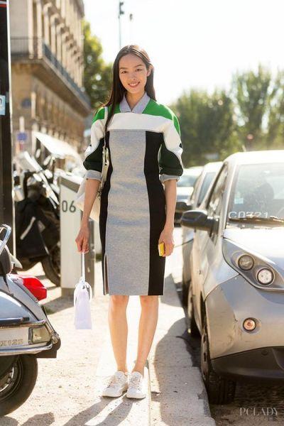 LOOK 4: 连衣裙+白色休闲鞋