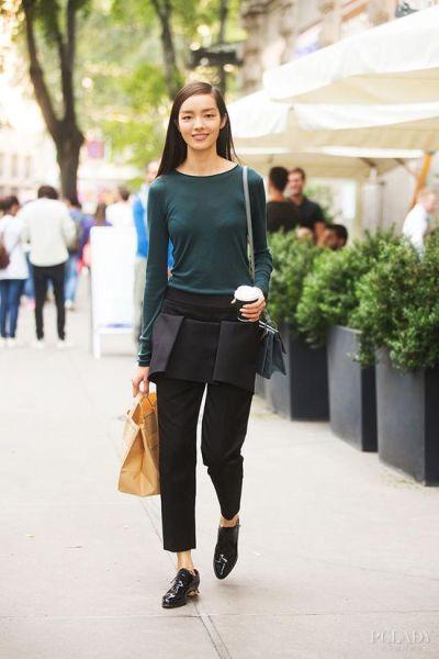 LOOK 6: 墨绿色长衫+黑色休闲裤+黑色平底鞋