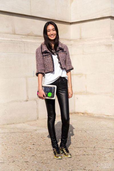 LOOK 2:黑色皮裤+Chanel夹克