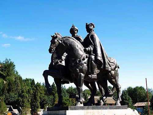 昭君博物院和亲铜像