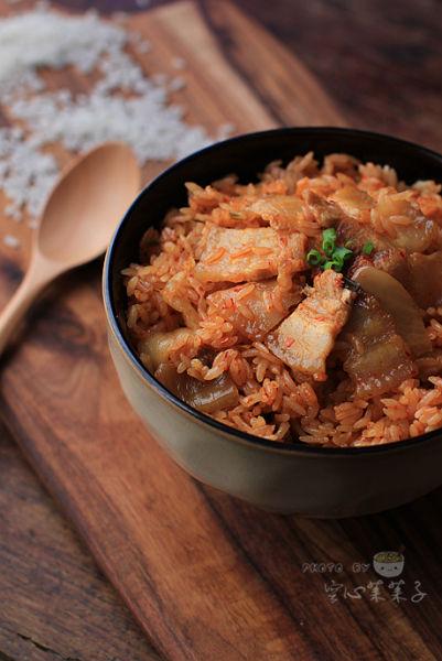 辣白菜五花肉生炒油饭