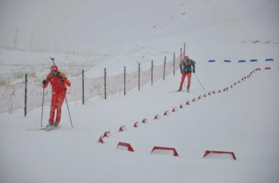 凤冠高级滑雪场