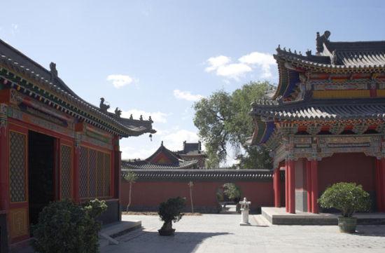 """五塔寺""""金刚座舍利宝塔""""后照壁上的蒙古文石刻天文图"""