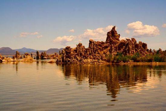 巴彦淖尔玛瑙湖