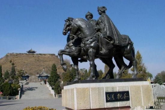 昭君和单于铜像