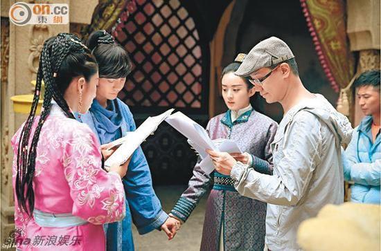 赵丽颖否认与陈伟霆绯闻:激吻是工作需要
