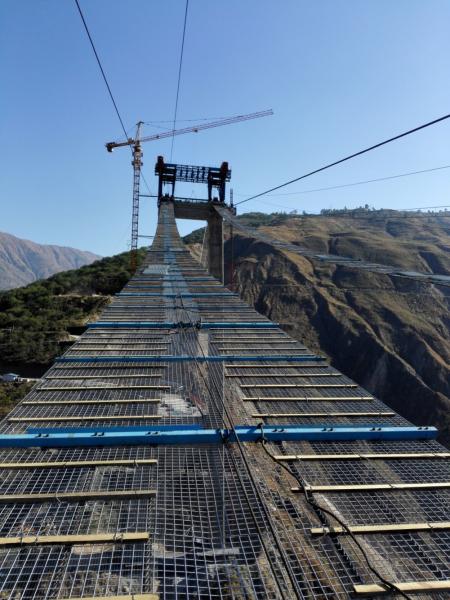 金东大桥这一类型的单跨双塔地锚式钢桁梁悬索桥