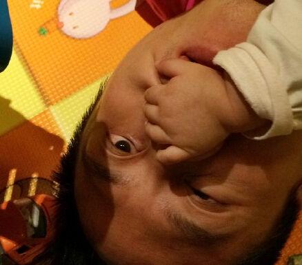 邓超被女儿攻击