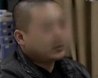 监拍男子酒后袭胸女服务员 引多人互殴