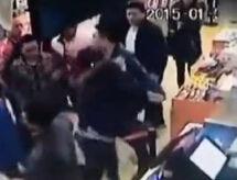 监拍女教师插队不成教唆4壮汉殴打女子