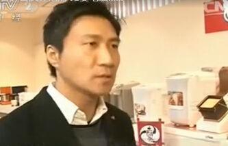 中国游客赴日疯狂抢购 昂贵电饭煲马桶盖卖断货